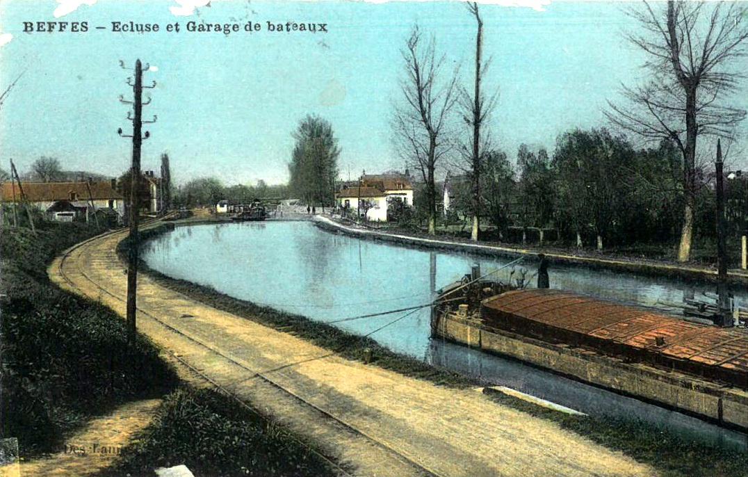 Ecluse et garage de bateaux for Garage du canal frouzins